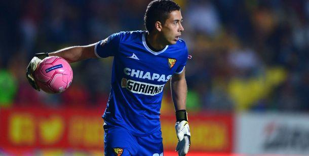 Óscar Jiménez recalca la importancia de no cometer errores defensivos ante América