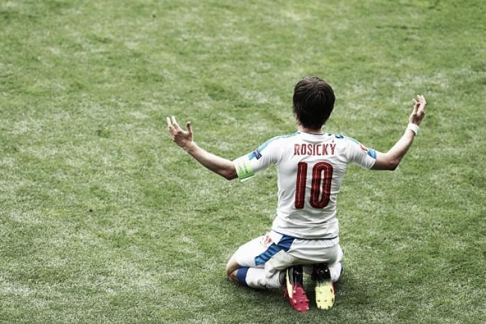 Rosicky sofre lesão e está fora da Eurocopa 2016