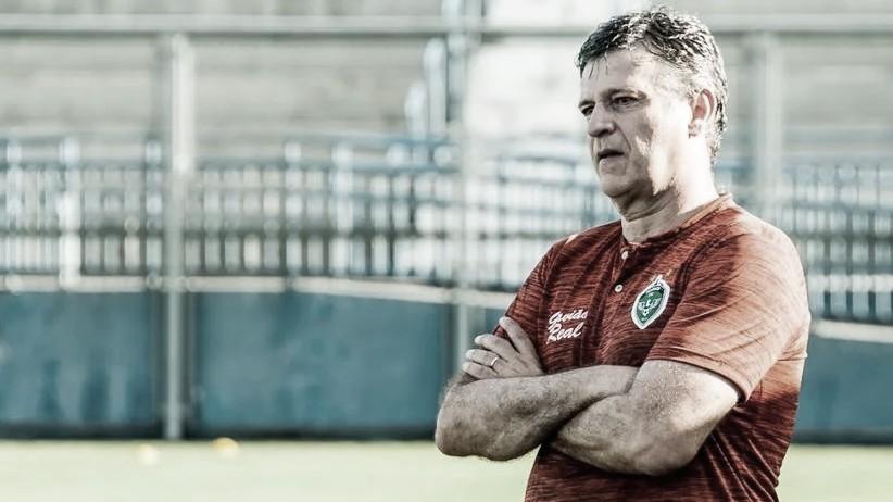 Técnico Welington Fajardo deixa Manaus após desentendimento com diretoria