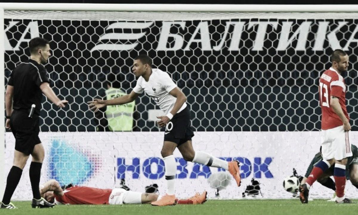 Com dois de Mbappé, França bate Rússia em amistoso antes da Copa