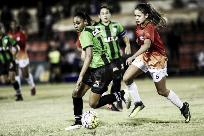 Com dois gols de Tábata, América-MG bate Centro Olímpico e vence primeira no Brasileiro A2
