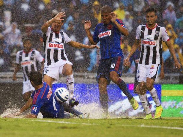 Rayados - Chivas: Si llueve ¡que sean goles!