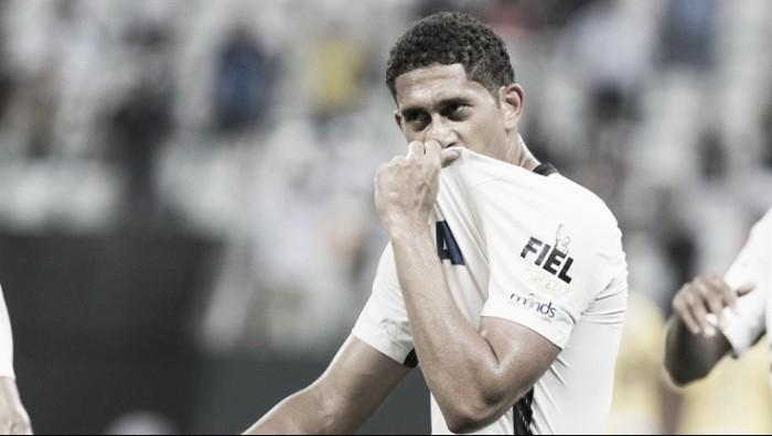 Pablo destaca empate fora de casa com Coritiba e lamenta gol mal anulado de Jô
