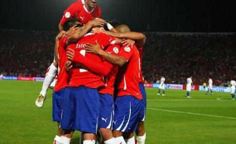 Chile venció a Bolivia por 2 a 0 y queda puntero en las Eliminatorias Brasil 2014