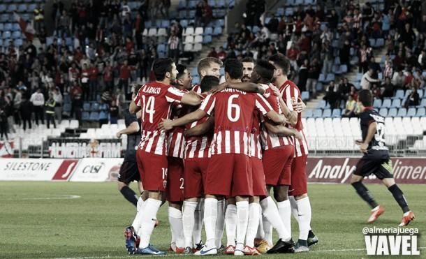 Fotos e imágenes del Almería 1-1 Numancia, jornada 15 de la Liga Adelante
