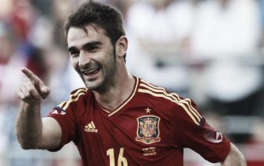 Adrián lidera la victoria de España, atascada ante Serbia