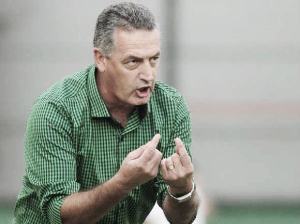 """Gustavo Alfaro: """"Hay que convivir con la derrota"""""""