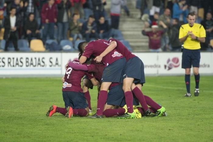 El Pontevedra levanta cabeza en A Malata
