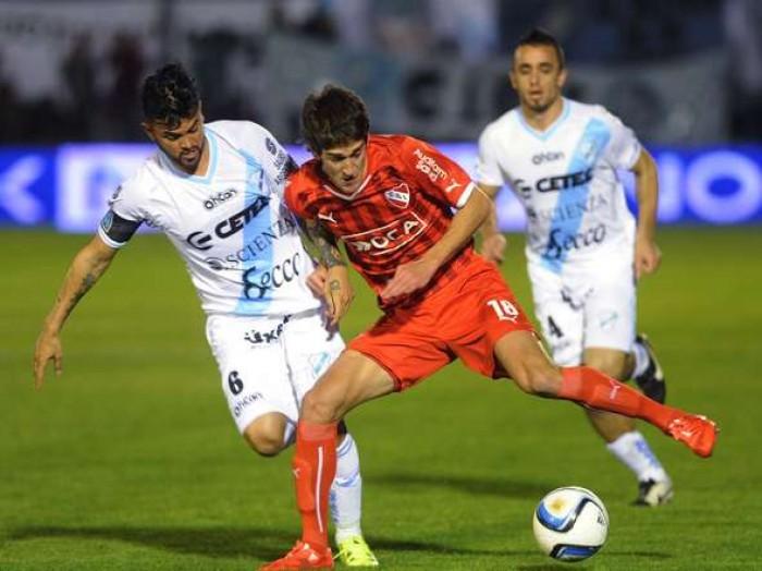Rojo de furia: Temperley cayó con Independiente con un gol en contra a último minuto