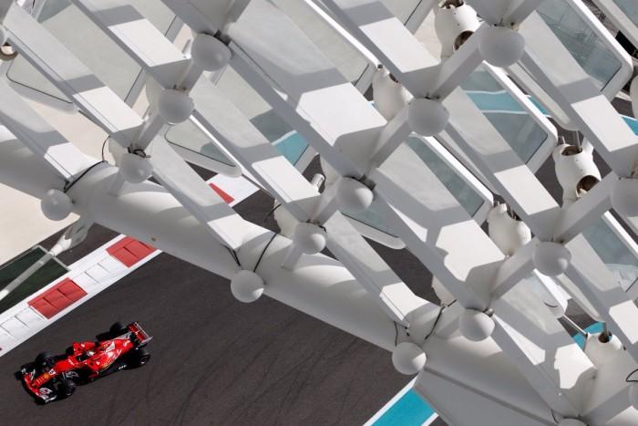 GP Abu Dhabi - FP1: Vettel buona la prima. Tanti esperimenti in pista