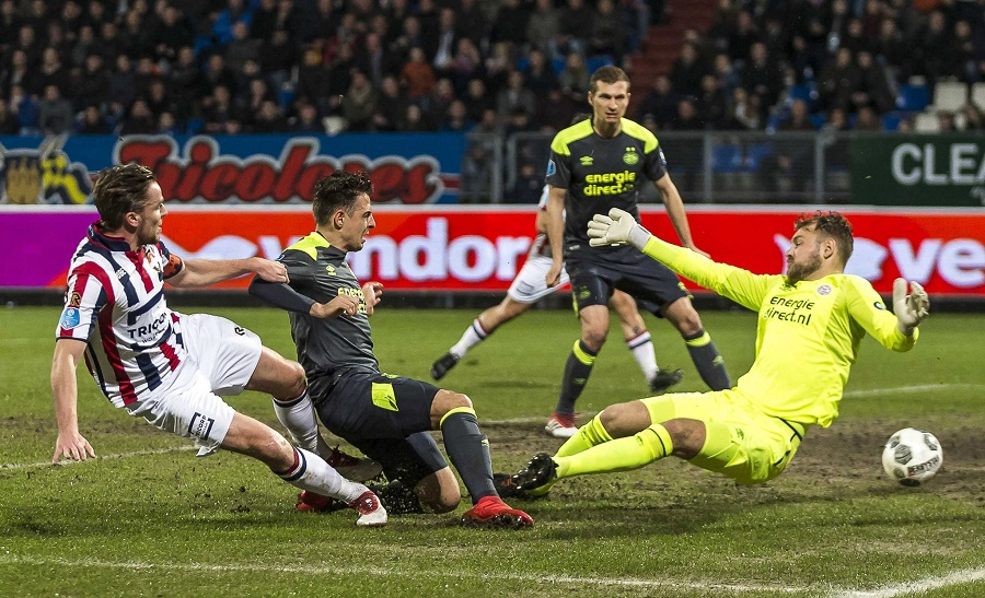 Fran Sol e Hirving Lozano, pelean por el liderato de goleo en la Eredivisie