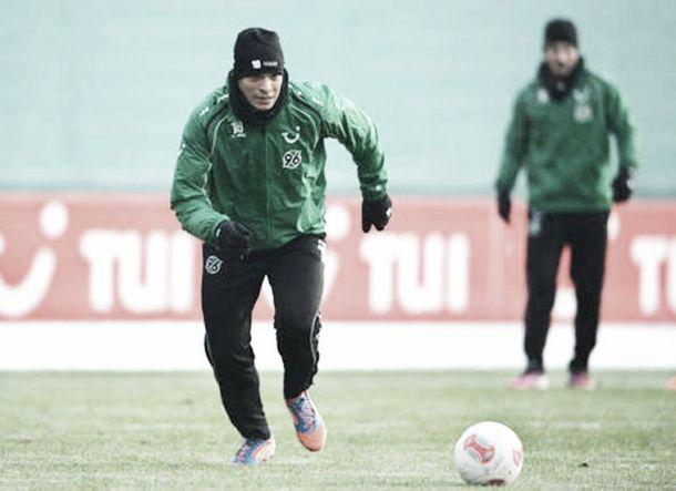 Volante França, do Hannover é contratado por empréstimo pelo Palmeiras