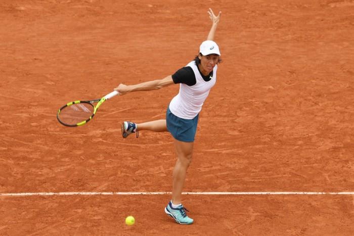 Roland Garros: stavolta niente magie, Schiavone si arrende a Mladenovic