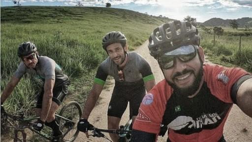 Fred, delantero del Fluminense, empieza viaje de 600 km en bicicleta