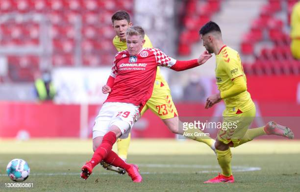 FSV Mainz 05 vs SC Freiburg preview: How to watch, kick-off time, team news, predicted lineups and ones to watch