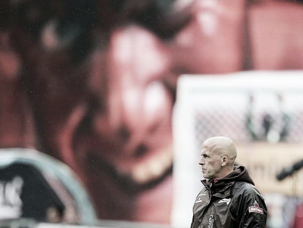 Hannover choose Michael Frontzeck over Peter Neururer