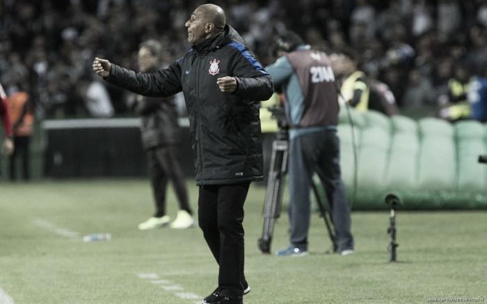 Cristóvão Borges comemora evolução do Corinthians, mas lamenta empate fora de casa