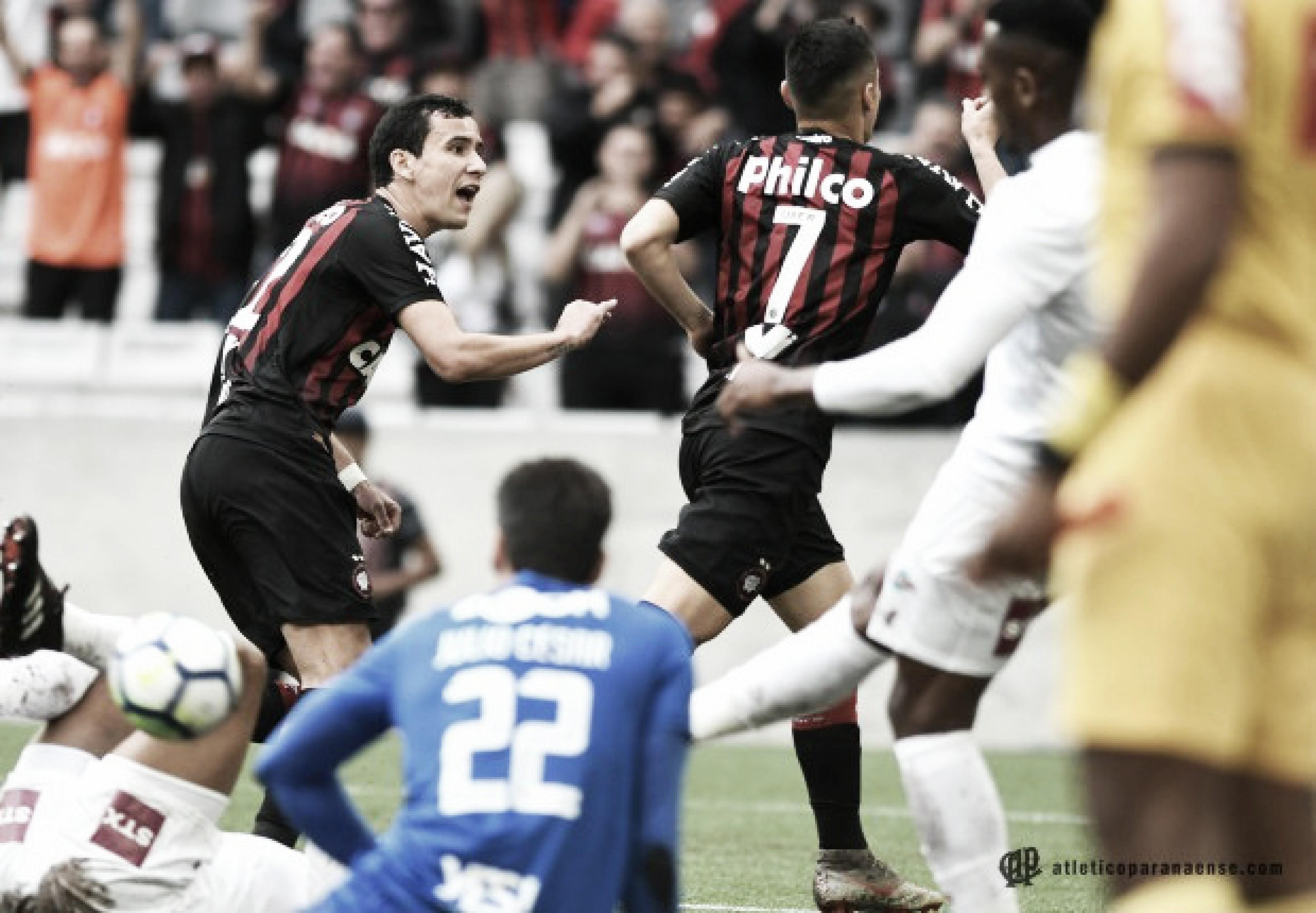 Atlético-PR bate Fluminense na Arena da Baixada e encerra jejum de vitórias no Brasileiro