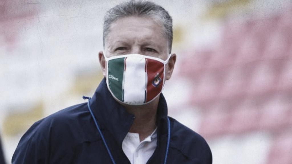 """Ricardo Peláez: """"O nos partimos la madre todos o no vamos a seguir en Chivas"""""""