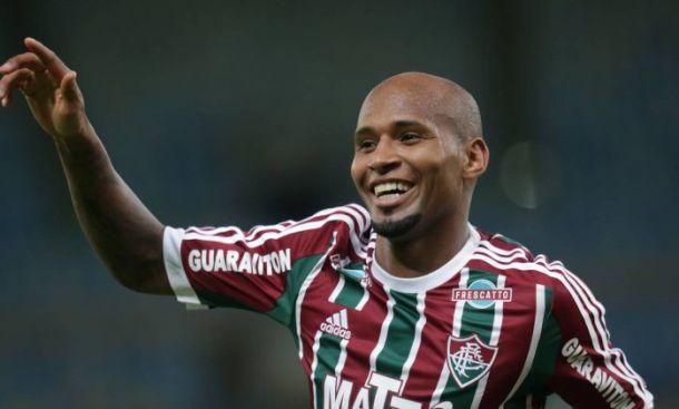 Fluminense acerta renovação do goleiro Julio César e do lateral Wellington Silva
