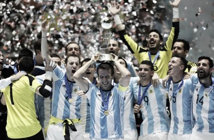 ¡Arriba las copas, Argentina es campeón mundial!
