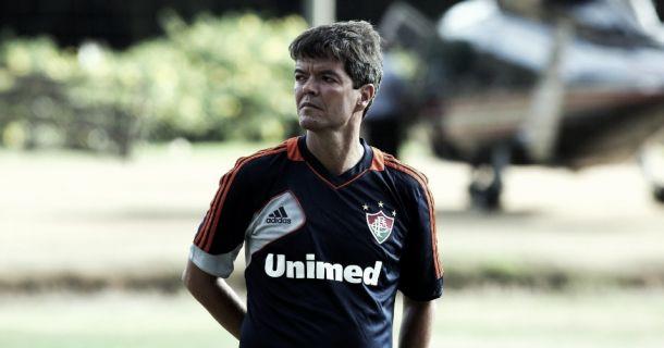 Com pouco mais de um mês no clube, Felipe Ximenes é demitido do Flu