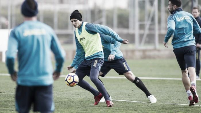 Calleja se lleva a 22 jugadores a Lyon