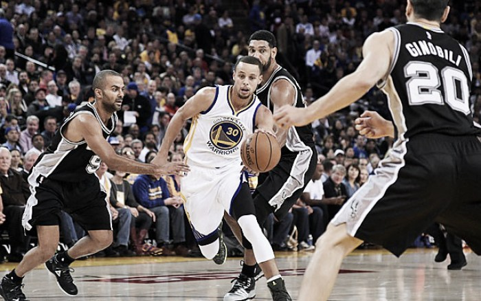 NBA: Warriors vencem Spurs e igualam recorde dos Bulls