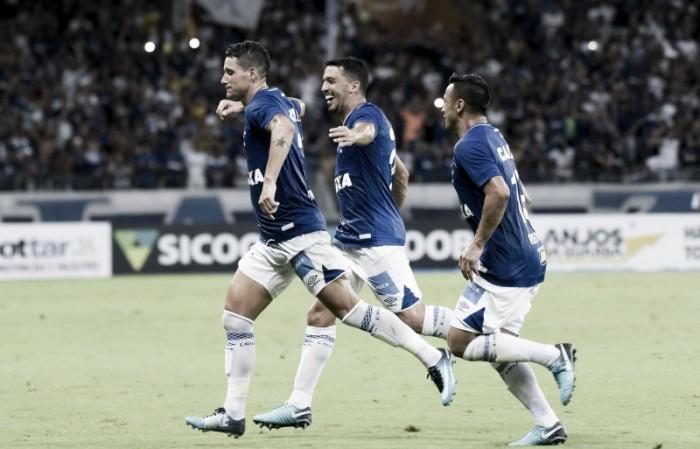 Análise: Cruzeiro de Mano aposta movimentações intensas e laterais agudos para auxiliar Fred