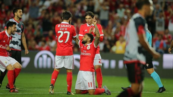 """Benfica: """"Emagrecimento"""" do plantel"""