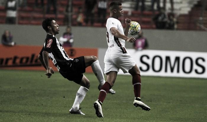 Atlético-MG e Fluminense empatam em jogo movimentado no Independência