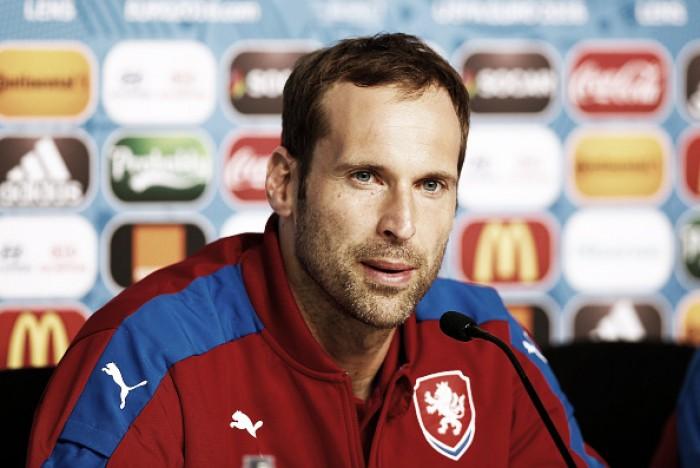 Após fraca campanha na Eurocopa, Petr Cech anuncia aposentadoria da seleção tcheca