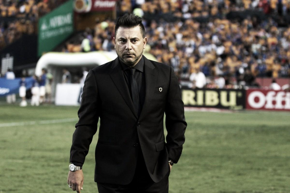 """Antonio Mohamed: """"Tuvimos la posibilidad de ganarlo y no fuimos capaces"""""""