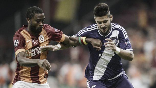 El Galatasaray salva un punto en el último instante
