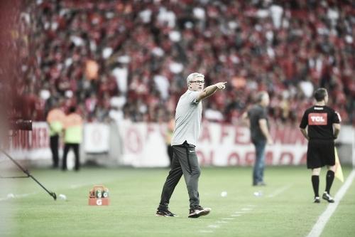"""Odair Hellmann comemora vitória do Inter contra o Flamengo: """"Fechamos a tarde com chave de ouro"""""""