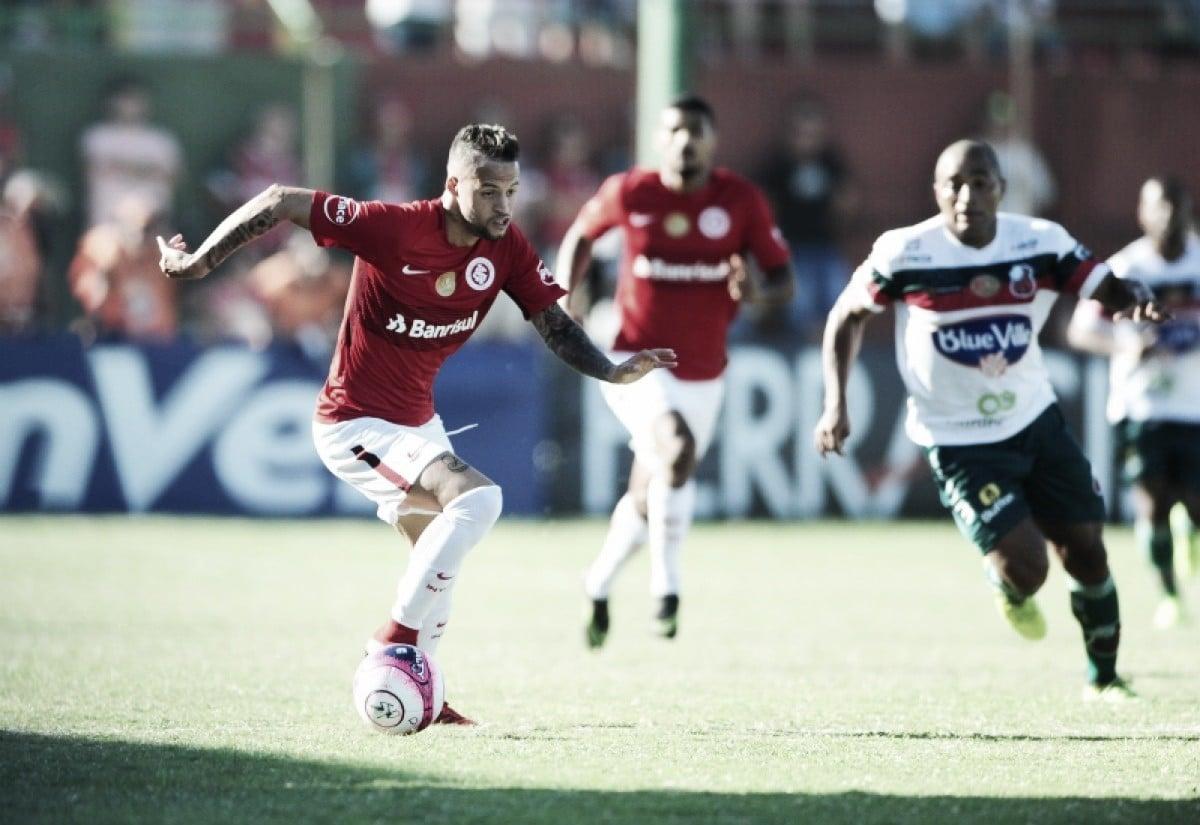 Jogadores do Internacional destacam dificuldades do gramado após empate com São Paulo-RS
