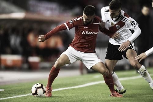 Internacional deixa vitória escapar na Argentina e fica no empate com River Plate