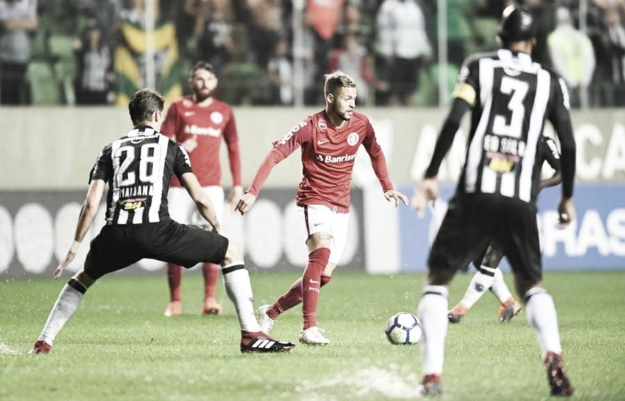 Brigando na ponta de cima da tabela, Internacional e Atlético-MG se enfrentam no Beira-Rio