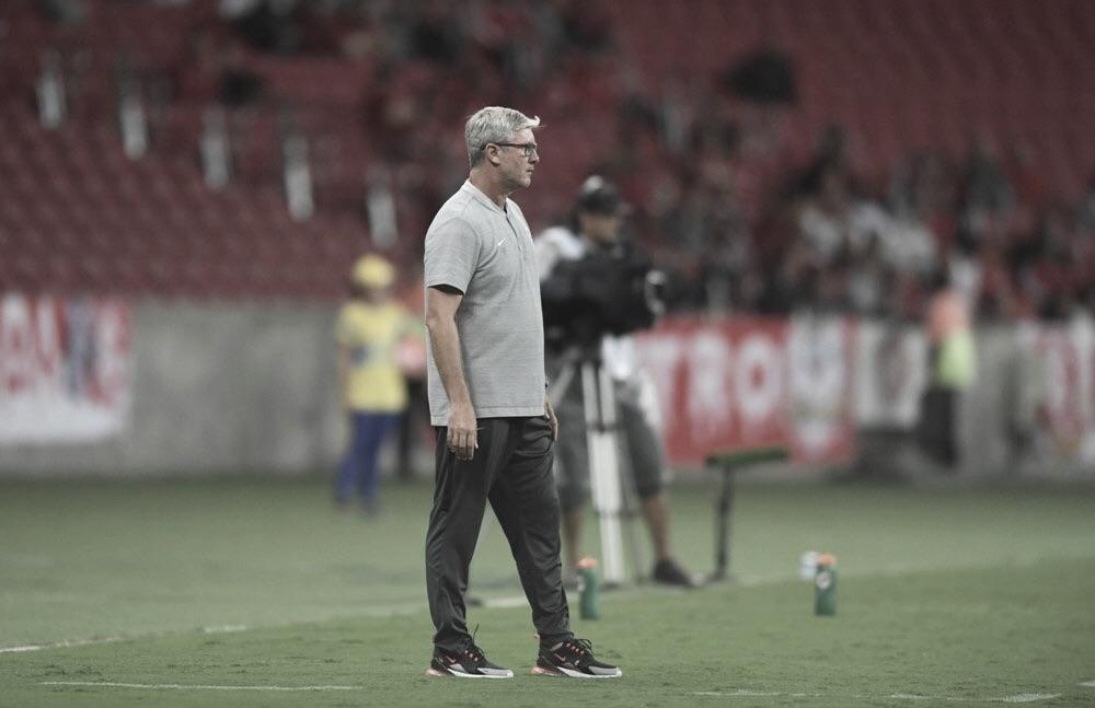 Parede, Sarrafiore e Guerrero; Odair Hellmann avalia estrangeiros do Inter