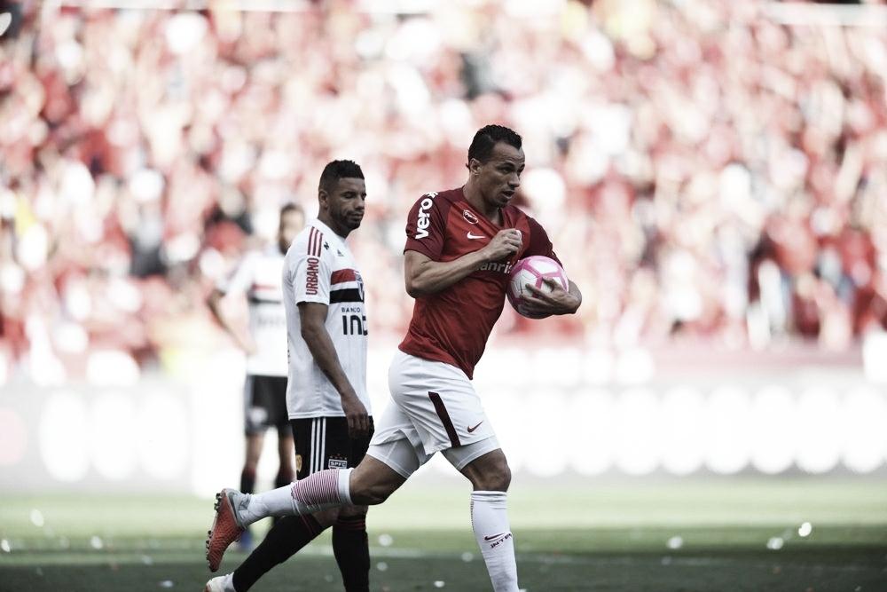 Damião marca duas vezes e Internacional bate São Paulo de virada no Beira-Rio