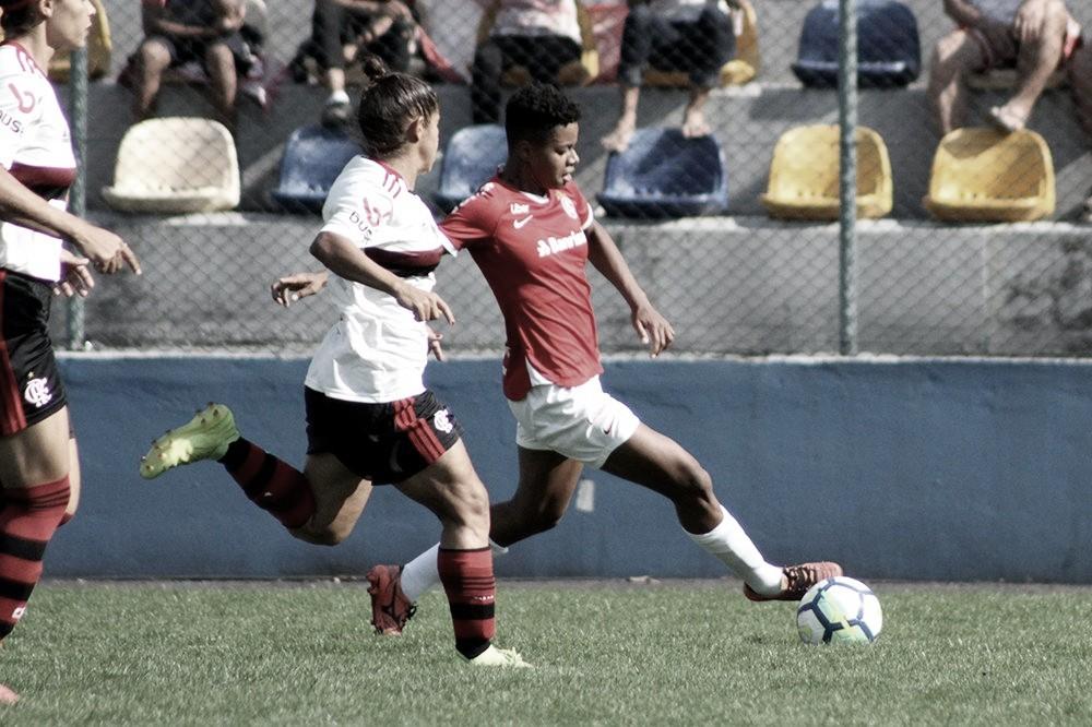 Flamengo vence Internacional e avança à semifinal do Brasileirão Feminino A-1
