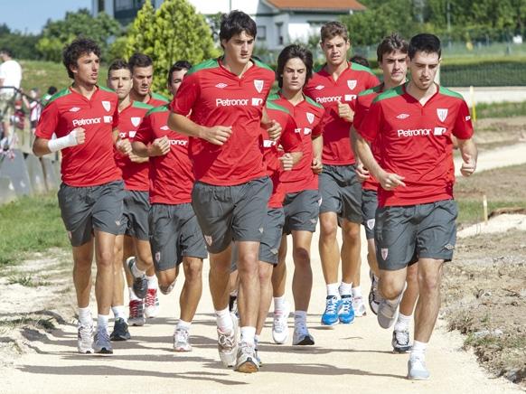 Amorebieta, Íñigo Pérez y David López, bajas en el tercer día de entrenamientos