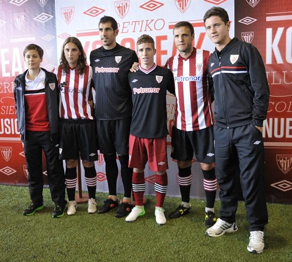 El Athletic presenta su nueva indumentaria para la próxima temporada