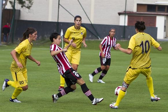 El femenino se estrena en la liga con goleada