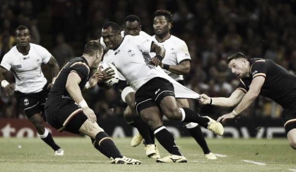 Gales no falla y mete presión a Inglaterra