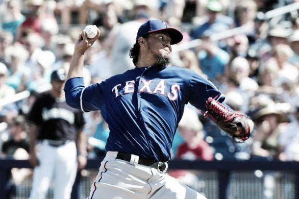 Yovani Gallardo sufre quinta derrota con los Rangers