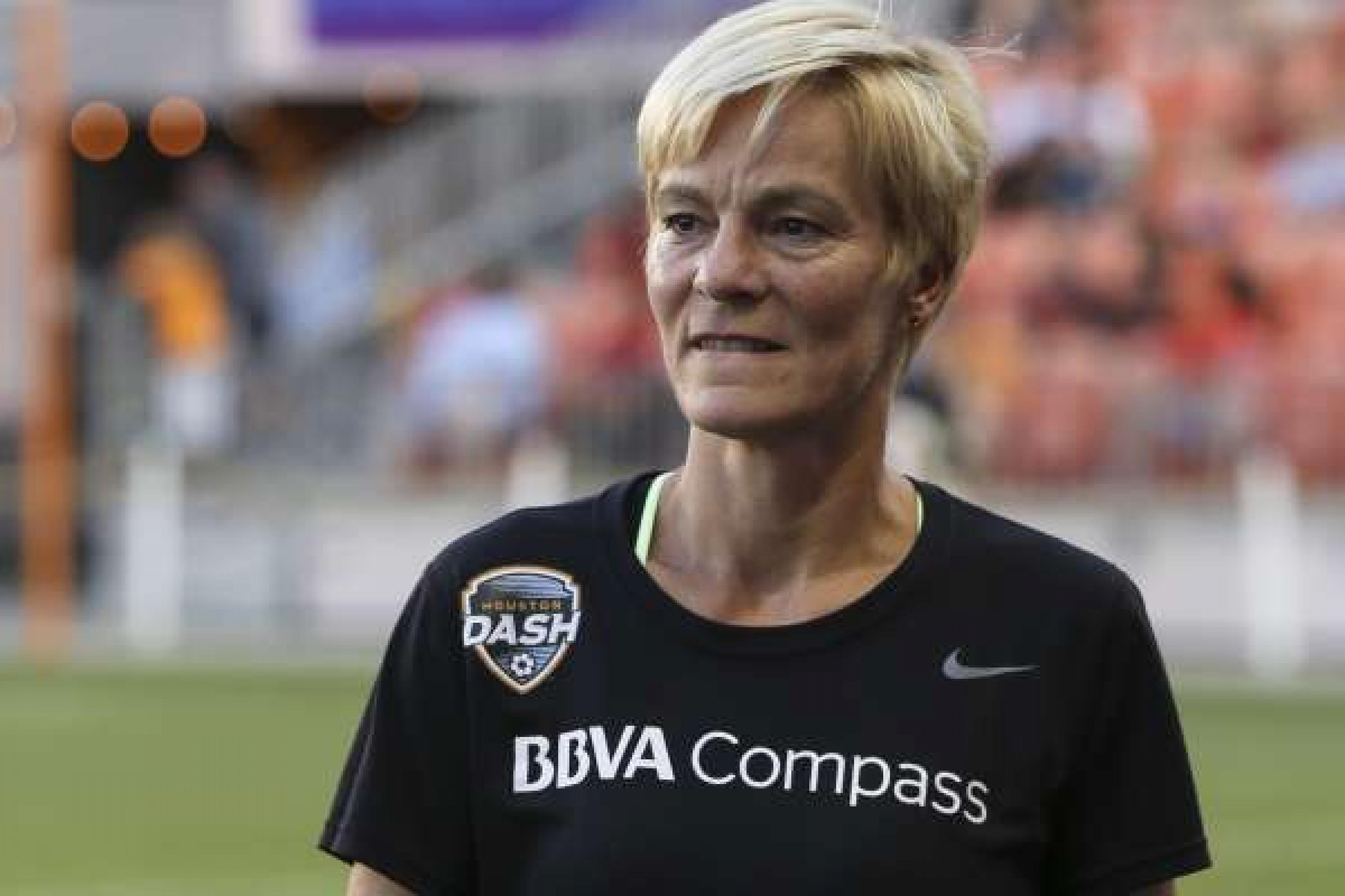 Vera Pauw out as the Houston Dash head coach