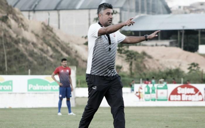 Meia Hugo alega problemas pessoais e desfalca Náutico para jogo contra Criciúma