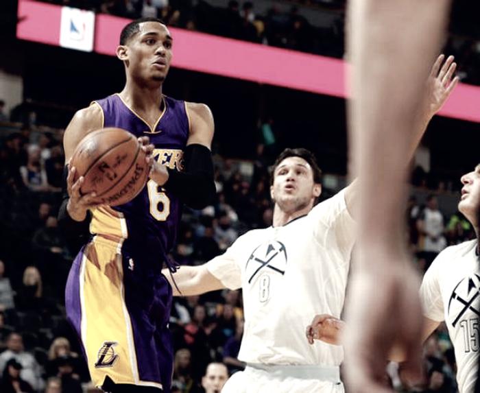 NBA - Denver sul velluto contro i Lakers, Sacramento batte Orlando