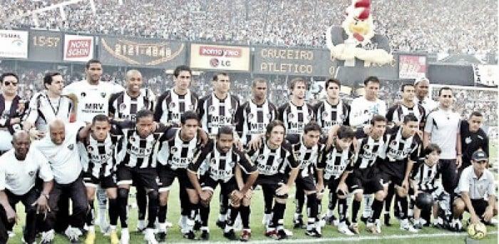 Há exatos dez anos, Atlético-MG goleava Cruzeiro em jogo marcado por 'gol de costas' de Fábio